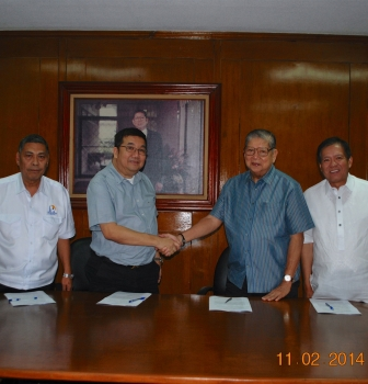 Contract Signing with HR Construction